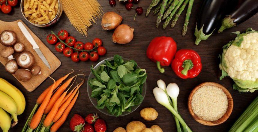 Como os alimentos podem influenciar negativamente os olhos?