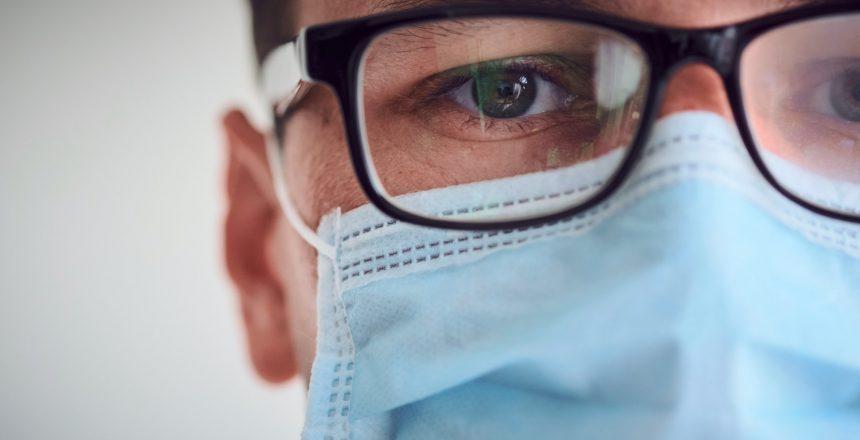 Os-oculos-podem-proteger-contra-COVID-19